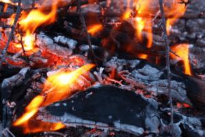 炎を出す炭
