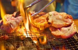 豪快に焼かれる肉