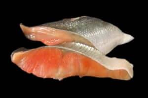 バーベキューで鮭のホイル焼き