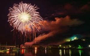 水辺と花火
