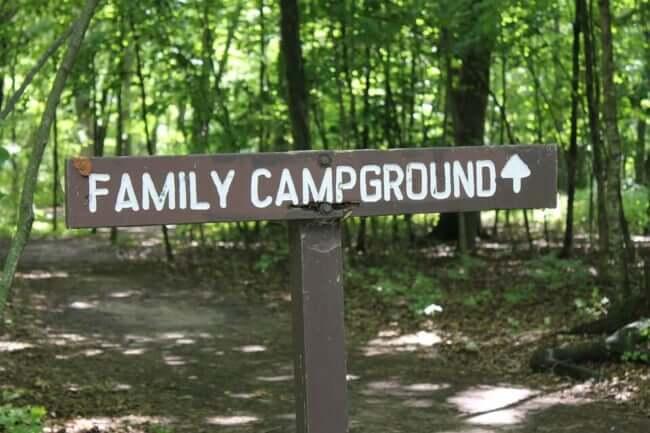 キャンプ場 看板